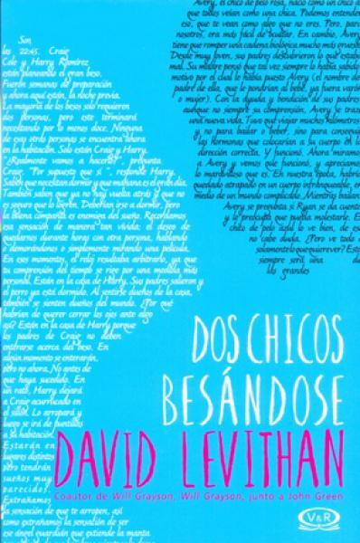 DOS CHICOS BESANDOSE